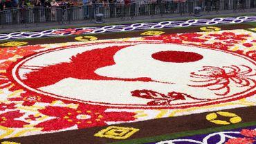 Entre 60.000 et 100.000 personnes ont visité le tapis de fleurs à Bruxelles