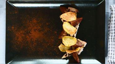 Escalope de porc panées au grué, navets glacés au cacao, chips de pomme de terre !