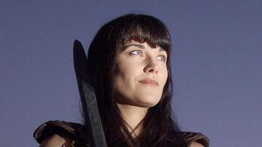 Xena princesse guerrière, intrerprétée par Lucy Lawless, icône du girl power des années 90.