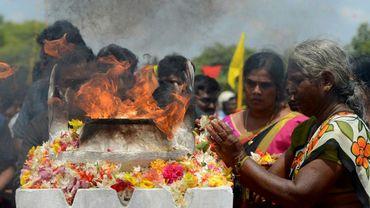 Des femmes tamoules sri-lankaises participent à une cérémonie à Mullaivaukkal près de Jaffna le 18 mai 2019