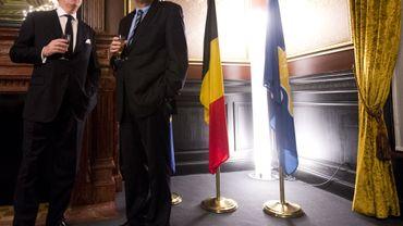 Armand De Decker, bourgmestre d'Uccle et Charles Picqué, Président de la Région bruxelloise lors de la cérémonie de prestation de serment.