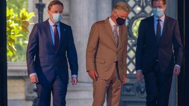 Le Roi Philippe devrait prolonger ce samedi la mission confié à Bart De Wever et Paul Magnette