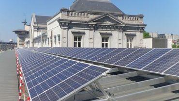 Les bâtiments équipés de panneaux photovoltaïques représentent un danger pour les pompiers.