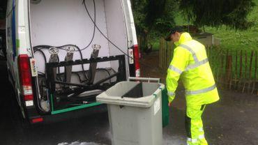 Faire nettoyer ses poubelles grâce à un véhicule spécialisé