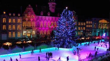 """Cette année, """"Mons Cœur en Neige"""" sera éclairé de façon encore plus magique et s'offre une nouvelle patinoire."""