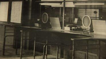 Voici une photo des guichets de la gare de Namur dans les années 1970