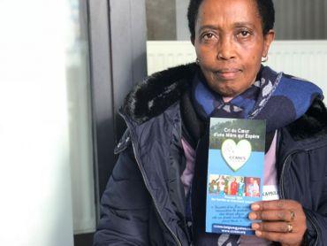 """En 2011, elle lance sa propre association """"Cri du cœurd'une mère qui espère"""", avec sixautres mères rwandaises désenfantées."""