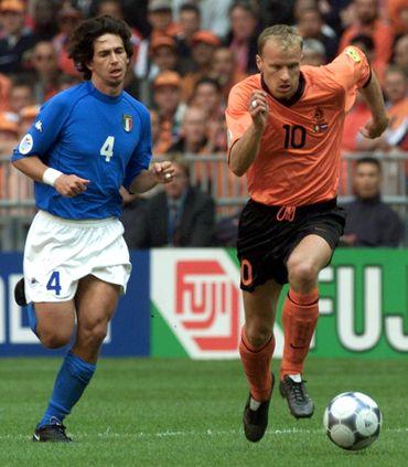 L'Italie court après le ballon comme Albertini après Bergkamp mais la victoire est italienne