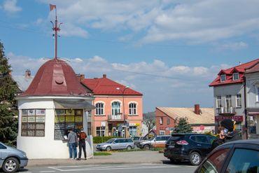 Sur la place de Rymanów