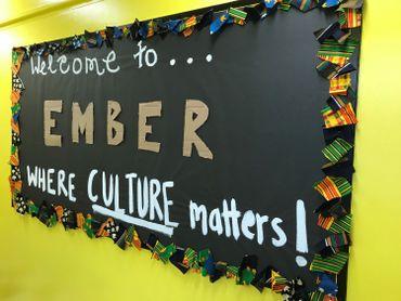Un des murs de l'école Ember Charter.