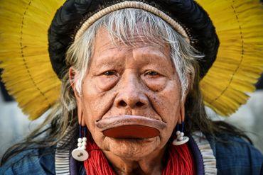 Le chef de la tribu ne cesse de voyager afin de faire entendre sa voix à l'échelle internationale