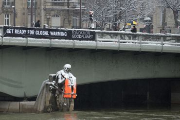 Le zouave du Pont de l'Alma ne se noiera pas