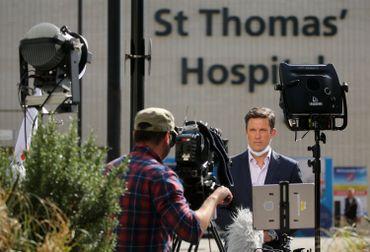 Direct d'un journaliste devant l'hôpital londonien, ce 07 avril 2020
