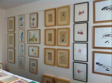Art on Paper - dessins de (de gauche à droite) Yvan le Bozec, Miguel Egana, Amélie Bucher, Sophie Menuet, Sharon Kivland et Léa Bénétou - Galerie des petits carreaux