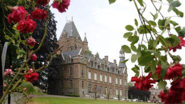 Véritable décor de cinéma, le Château de Louvignies raconte la vie quotidienne de la Belle Epoque