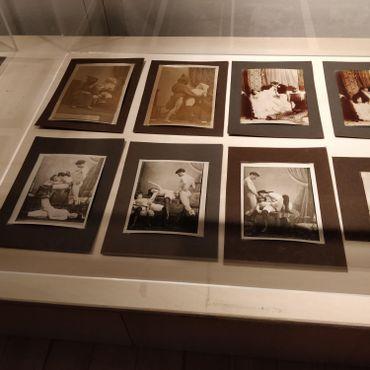 Les débuts de la photographies et les cartes postales érotiques voire pornographiques