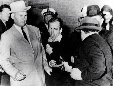 Jack Ruby tire sur Lee Harvey Oswald