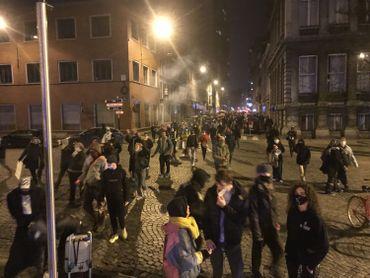 Plusieurs centaines de Liégeois se mobilisent contre le couvre-feu et pour des mesures solidaires