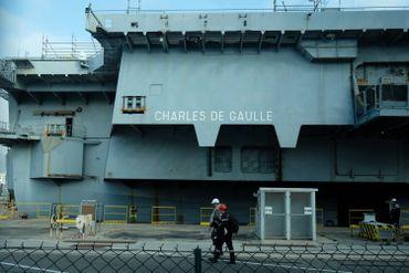 Opérations de réparation du Charles-de-Gaulle, en 2017