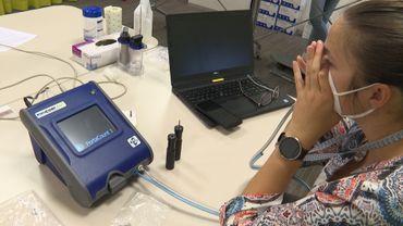 Mensura et IDEWE utilisent un PortaCount pour tester l'efficacité du filtre directement sur une personne
