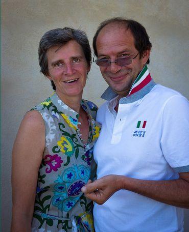 Italie: Caroline Cardon de Lichtbuer et Thierry Hazée, Propriétaires d'un agriturismo à Murlo Località