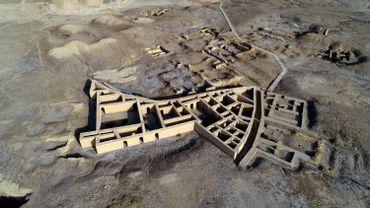 Une vue aérienne prise le 22 février 2021 montre le site où Abraham, le père de trois religions - le judaïsme, le christianisme et l'islam - serait né dans l'ancienne ville d'Ur qui se trouve maintenant dans la province de Dhi Qar, au sud de l'Irak. , à environ 375 kilomètres au sud-est de Bagdad.