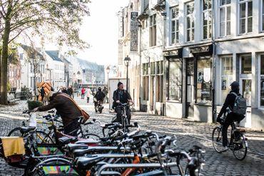 Tourisme en vélo ou en bateau sans permis à Gand