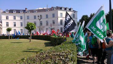 Non Marchand: le front commun syndical déçu après sa rencontre avec Charles Michel