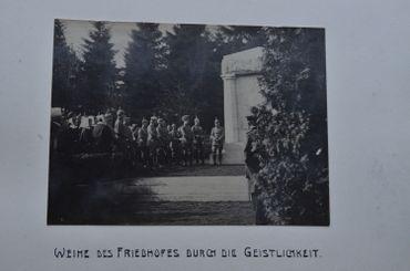 Inauguration du cimetière allemand de Gozee en 1916 avec Le gouverneur-général allemand Moritz von Bissing