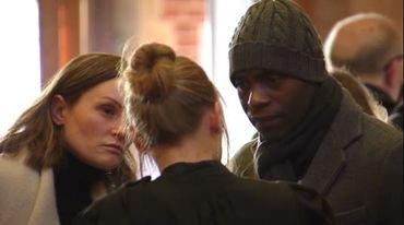 Victime de Véronique Van Acker, Mbo Mpenza avec son avocate.