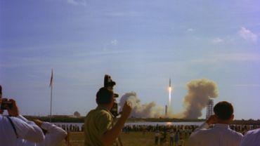 Toute la puissance de la fusée Saturne V.