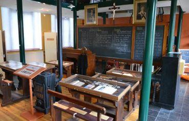 Le Musée Armand Pellegrin :plongezdans la vie scolaire en Wallonie...
