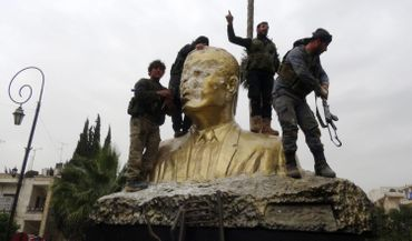 La statue d'Hafez al-Assad à Idlib