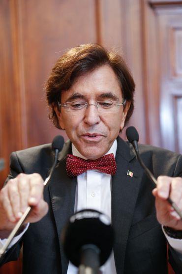 """Elio Di Rupo a vite compris l'importance d'une """"communication maîtrisée"""", selon Pierre Vercauteren"""