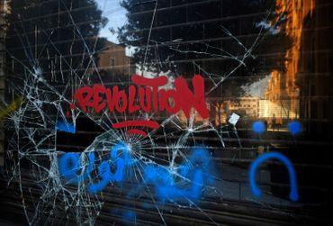 """""""Revolution"""", tagué à Beyrouth, au Liban, ce 21 octobre"""