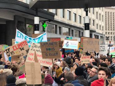 """Cette troisième édition de la marche """"Youth for Climate"""" s'est faite """"toutes pancartes dehors"""""""