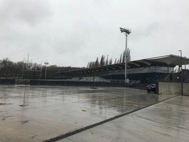 Avec le parking devant le stade, les habitants du quartier ne manquent pas de places de stationnement.