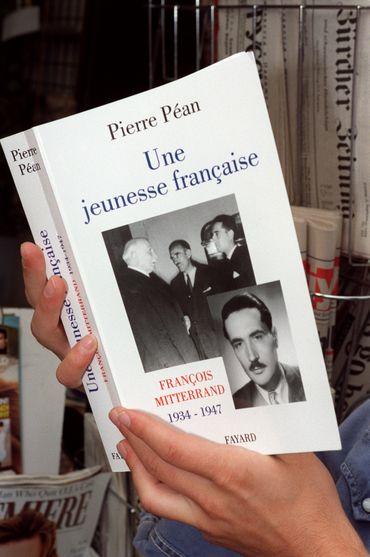 Portait de Pierre Péan, l'un des plus grands journalistes d'enquête français décédé ce jeudi soir