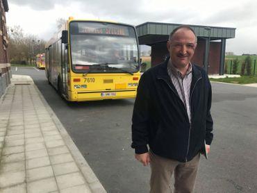 Le bougmestre de Hamme-sur-Heure-Nalinnes, Yves Binon (MR), a décidé de suspendre momentanément les trajets de bus scolaire avec le TEC©️RTBF