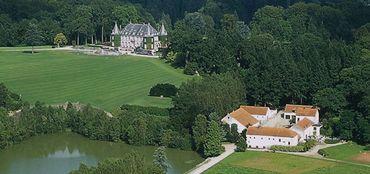 Nichée au cœur des quelques 227 hectares de verdure du magnifique Parc Solvay à La Hulpe, la Fondation Folon vous invite à découvrir quelques 300 œuvres de l'artiste belge Jean-Michel Folon...