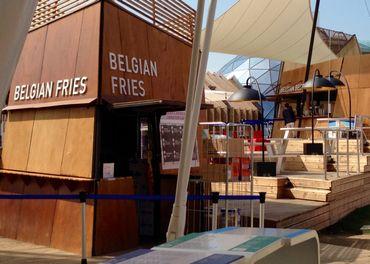 Notre pavillon vend une tonne et demi de frites par jour. Une manière de rentabiliser commercialement l'investissement belge dans l'exposition