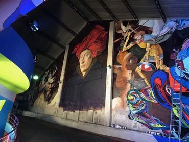 """Les peintures """"Tête de satyre """" (Rubens), """"L'homme au turban rouge"""" (Van Eyck) et """"La chute des anges rebelles"""" (Brueghel l'Ancien) reproduit par le graffeur italien Andrea"""