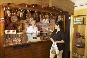 La boutique Montenauer : salaison du Jambon d'Ardenne