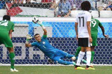 Essam EL Hadary arrête le penalty saoudien
