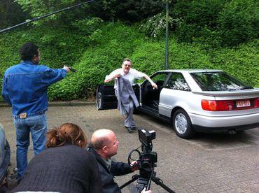 Evocation de l'assassinat d'André cools par l'équipe de tournage de Devoir d'enquête