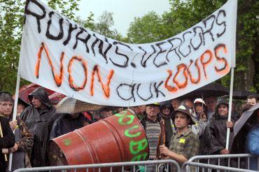 Manifestation d'agriculteurs contre la présence du loup dans le massif du Vercors, en 2010