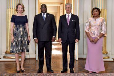 La photo protocolaire réunissant la reine Mathilde, le président Tshisekedi, le roi Philippe et Denise Tshisekedi.