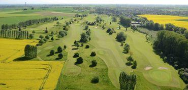 Avernas Golf Club, c'est unparcours 9 trous de style anglais d'une longueur de 2674m
