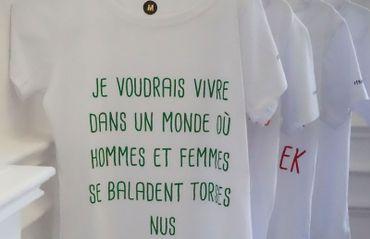 Les T-shirts qui rassemblent des phrases que les femmes marocaines aimeraient partager dans l'espace public, sont un matériau pour un travail en cours avec la création de la marque «Daily Feminism». En 2017, lors d'un voyage au Maroc Anna Raimondo se rend dans la ville de Rabat avec ces t-shirts portant ces phrases et demande aux passants de la prendre en photo