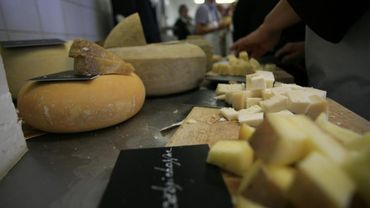 Un marché du terroir (fromagers et autres produits de bouche) permet à tout un chacun de se laisser tenter par la dégustation de produits variés et d'entrer en contact direct avec les producteurs.